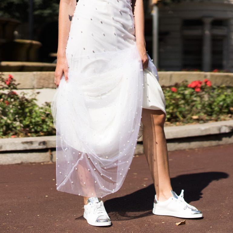 Vestidos de novia con sneakers